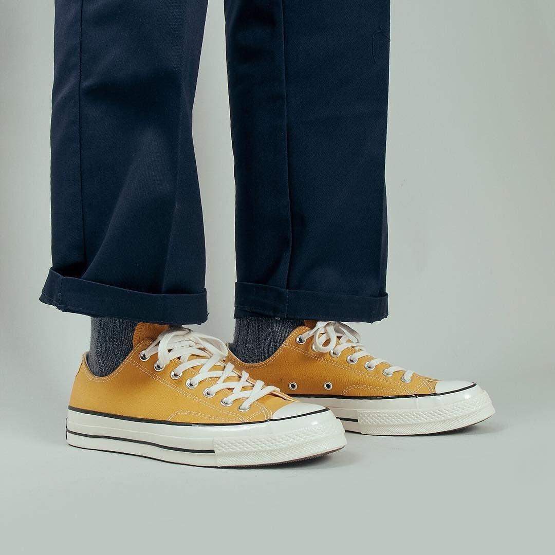 c3b7d4a8ef0e Add a little flare to your outfits with a pair of  converse Chuck Taylor  All Star  70 Ox (Sunflower). The optimum Summer plimsole.