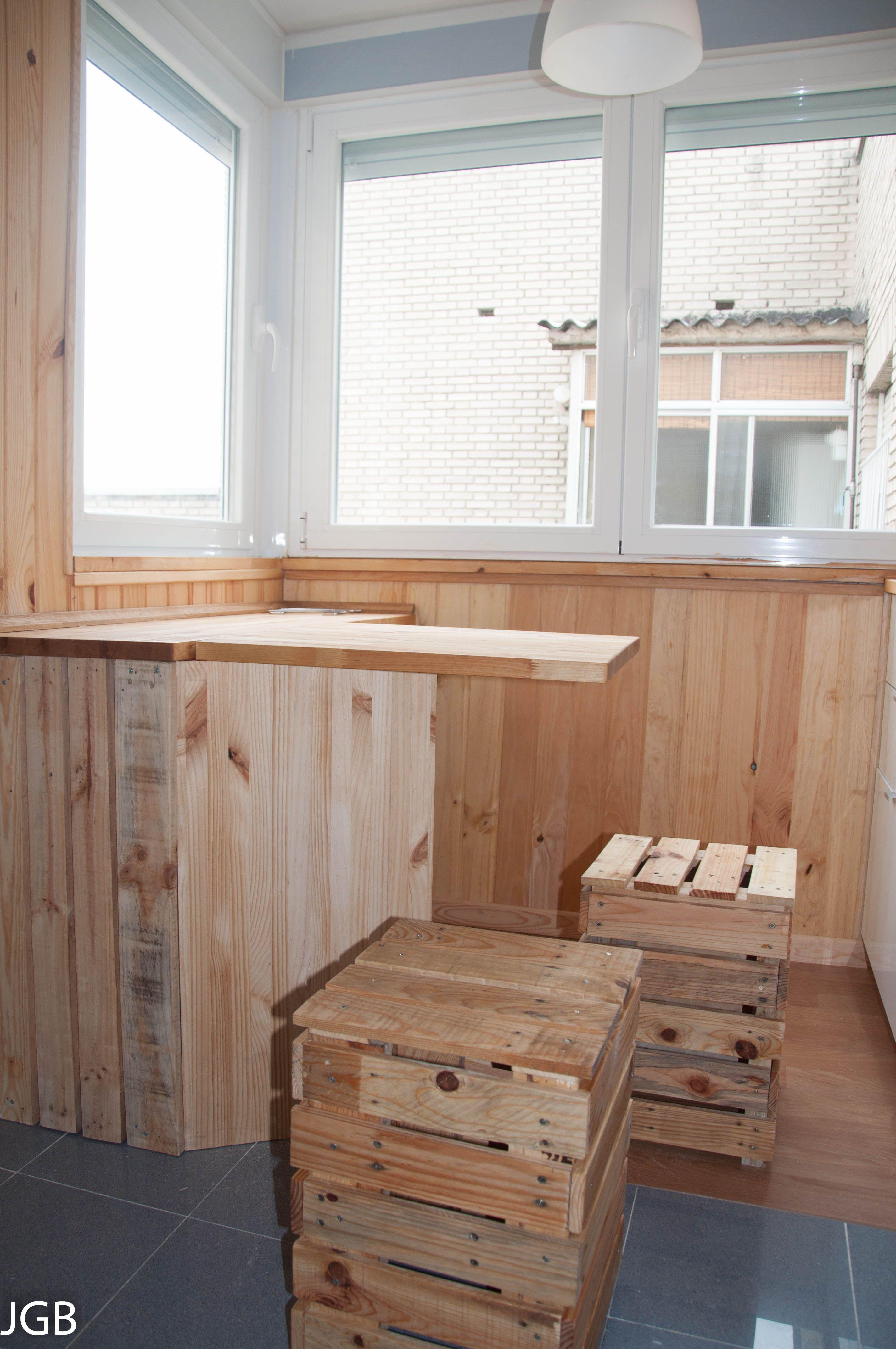 Bancos y mesa plegable con tablero de pino madera de - Tableros de pino ...