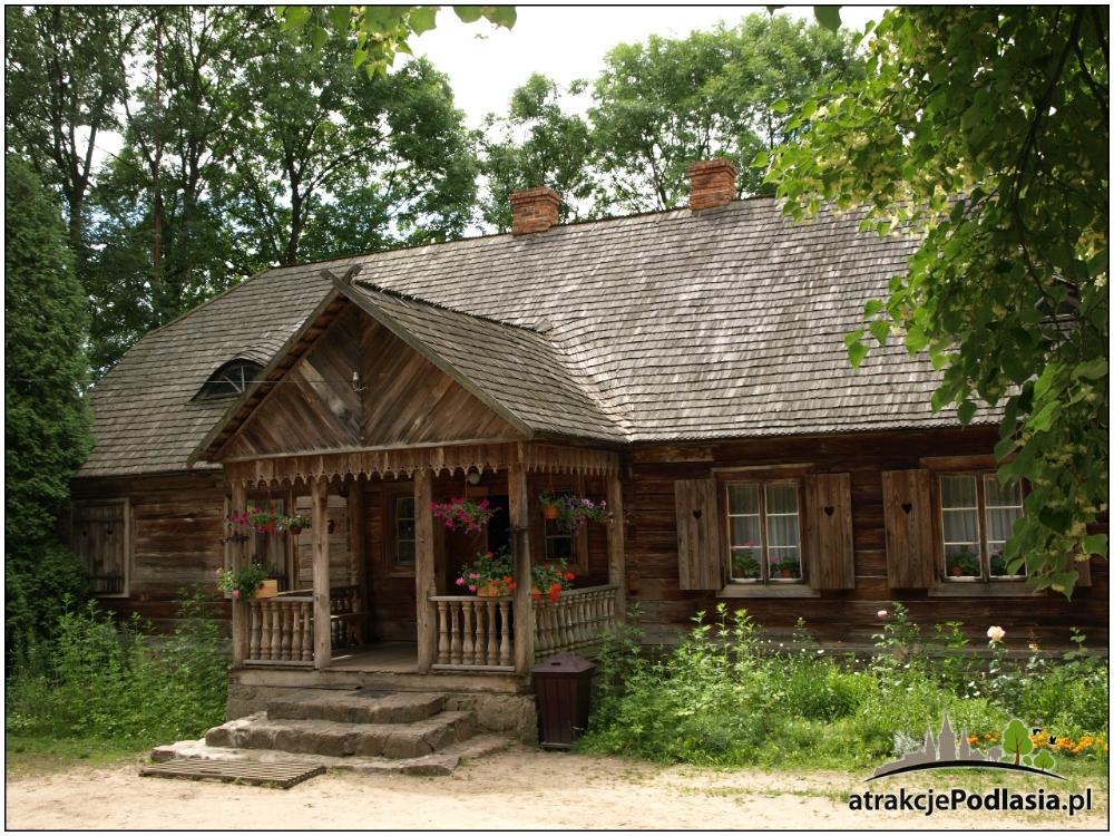 Nowogrod Woj Podlaskie Skansen Kurpiowski W Nowogrodzie Atrakcje Podlasia Cottage Style Homes Countryside House Architecture