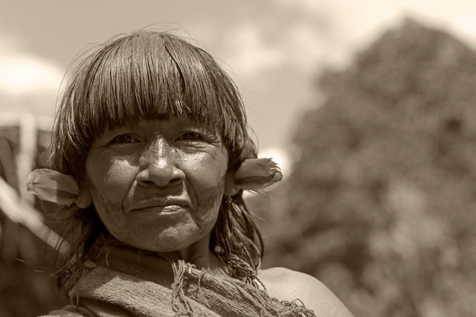Hoje, 05 de setembro, é Dia Internacional da Mulher Indígena. A data foi instituída em 1983, durante o II Encontro de Organizações e Movimentos da América, em Tihuanacu (Bolívia). A escolha desse dia foi feita porque em 05 de setembro de 1782 morreu Bartolina Sisa, mulher quéchua que foi esquartejada durante a rebelião anticolonial de Túpaj Katari, no Alto Peru.