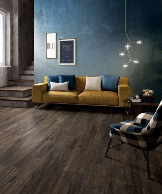 Wohnzimmer mit Fußboden in Holzoptik und Wandfarbe Petrol-Blau bad - wohnzimmer ideen petrol