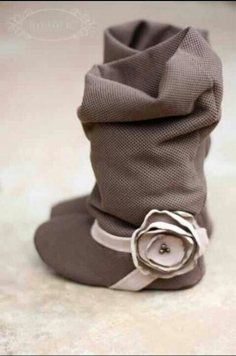 Baby boots, Baby shoes, Baby girl clothes