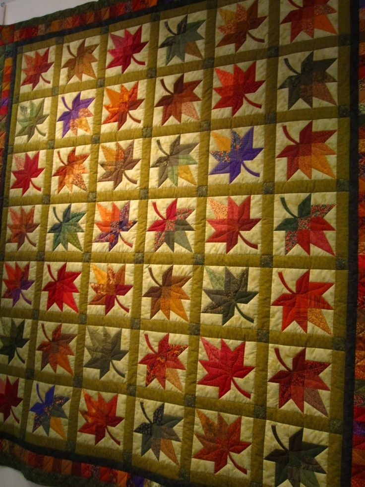 Maple Leaf Quilt Example 1 Love This Pattern Different Than The Traditional Block Quilt