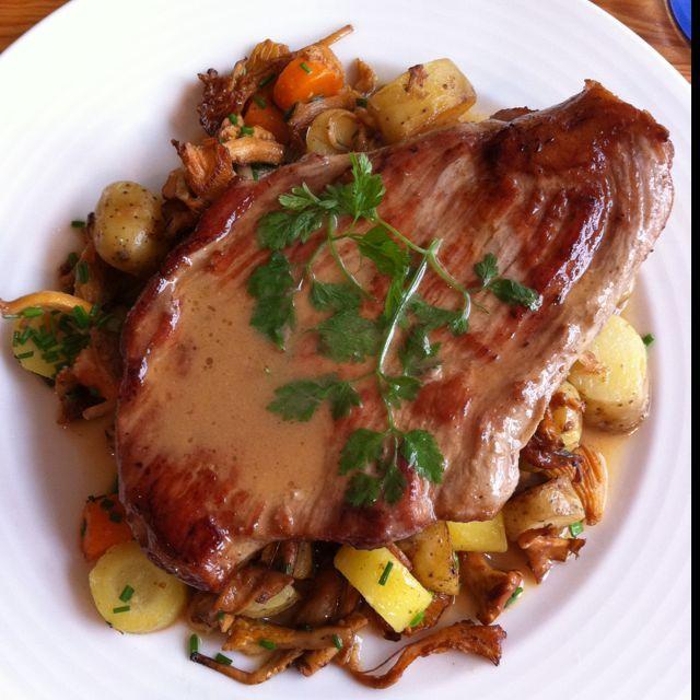 Steak de veau aux girolles - La Bonne Cuisine