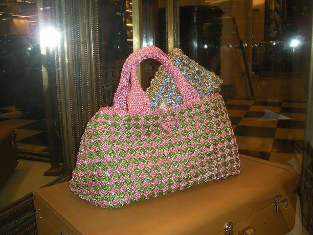 Maglia e Rimaglia: Borse Prada estate 2012