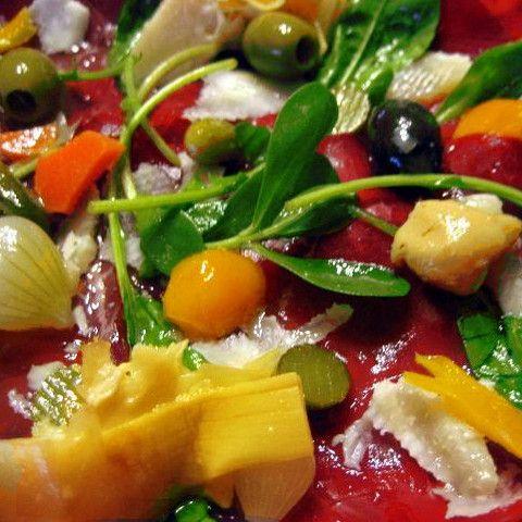 Vasta gamma di prodotti sott'olio rigorosamente Made in Italy  Dai funghi rositi alla crema di peperoncino piccante, dagli involtini di melanzana al trito di olive, offriamo il meglio dei sott'olio. Le emozioni di sapori unici, sani, genuini e 100% #madeinitaly Scopri la vasta gamma di prodotti accuratamente selezionati per regalarti il meglio del gusto italiano!  www.initalyfood.com #followme    #food & #passion   for you!!!