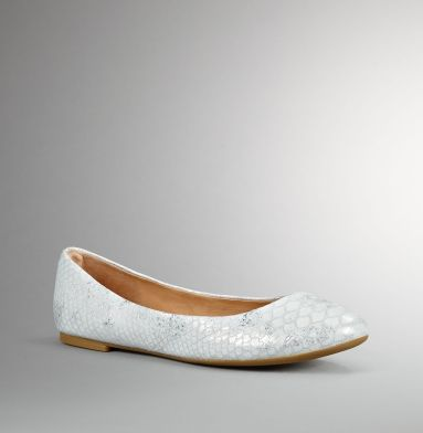 The Delight Flat. Kenneth Cole New York.