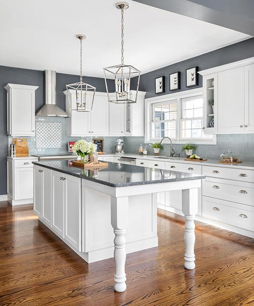3 Types Of Kitchens That Are Perfect For Shaker Style Cabinets Kitchen Cabinet Styles Kitchen Refacing Types Of Kitchen Cabinets
