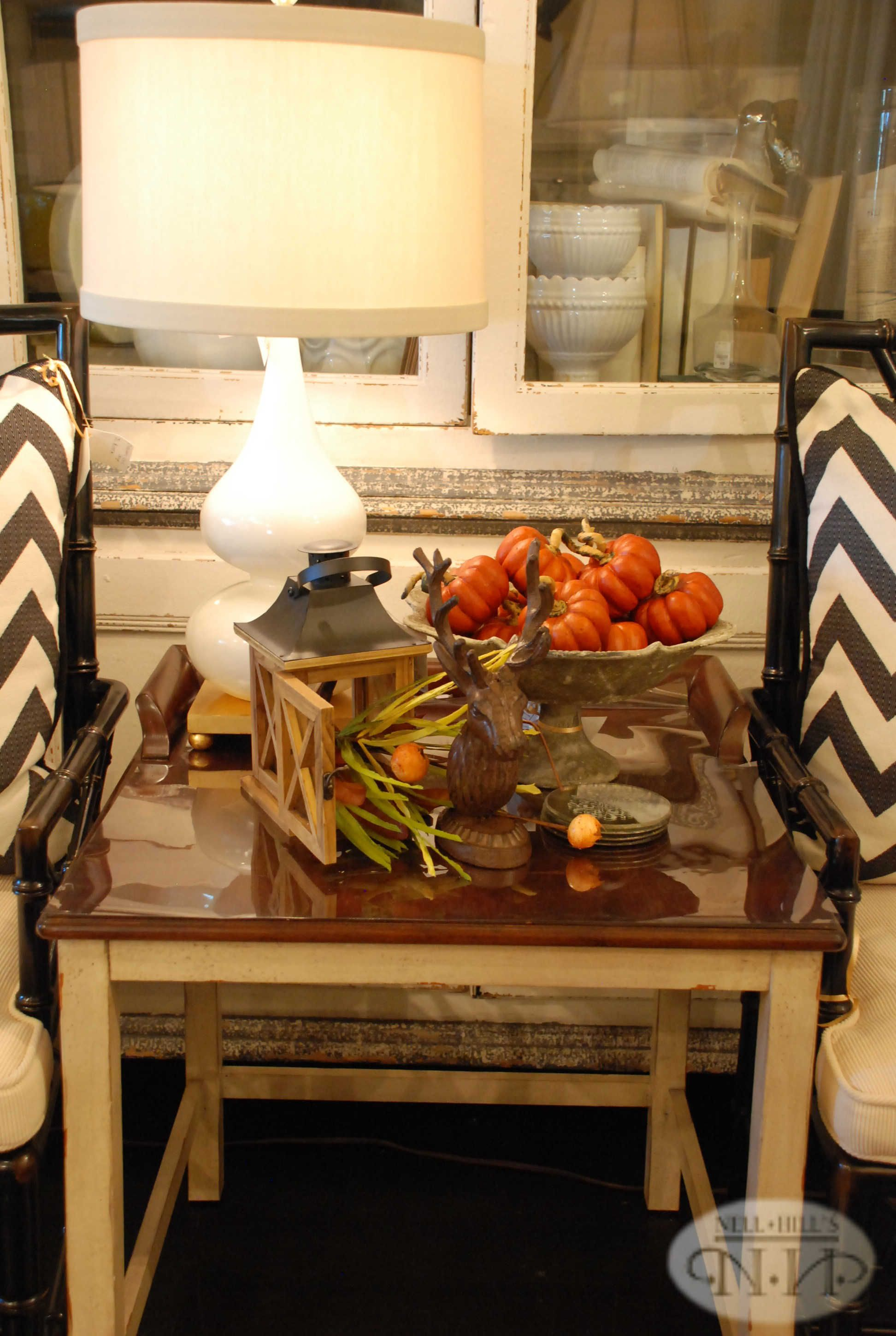 Here's a great way to decorate your end table #nellhills #falldecor #pumpkins