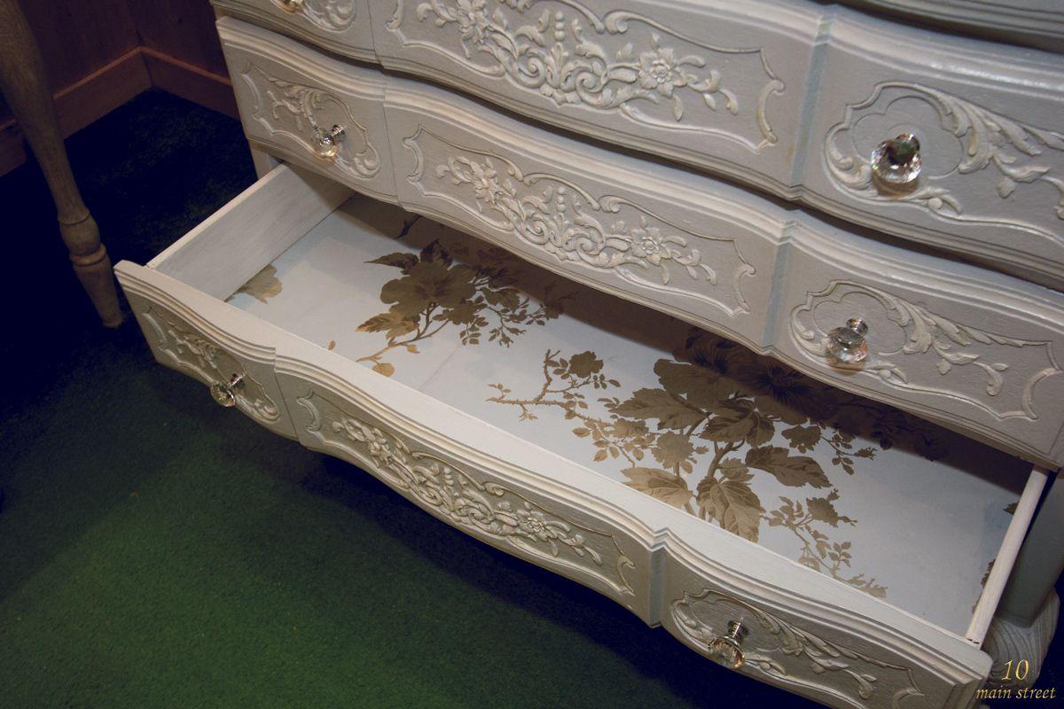 Une Commode Retapee Style Gustavien Pour La Salle De Bain Retaper Un Meuble Relooker Meuble Mobilier De Salon