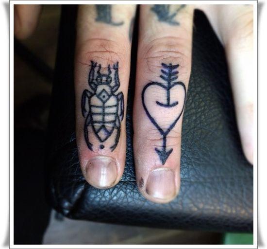 Finger+tattoos+1.jpg (550×512)
