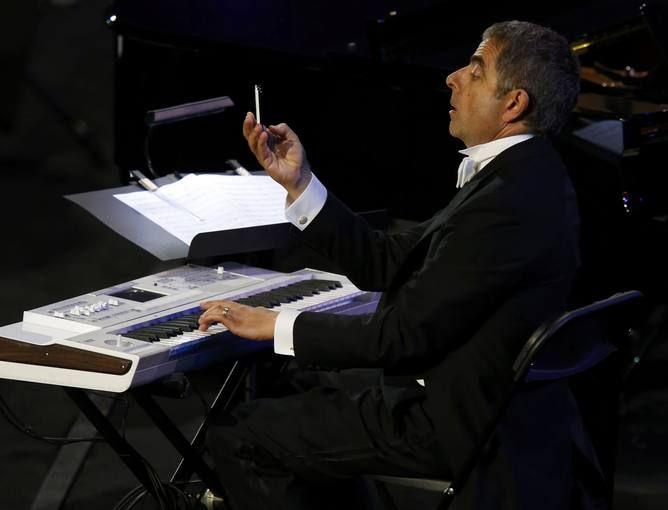 El Actor Rowan Atkinson Conocido Por Su Papel Como Mr Bean Durante La Ceremonia Londres Mejores Fotos Juegos Olimpicos
