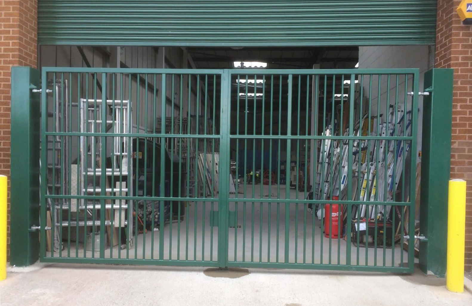 Our Rsg3200 Industrial Security Gate With High Security Fitted To An Industrial Unit In Wimbledon Security Gates Gate Security