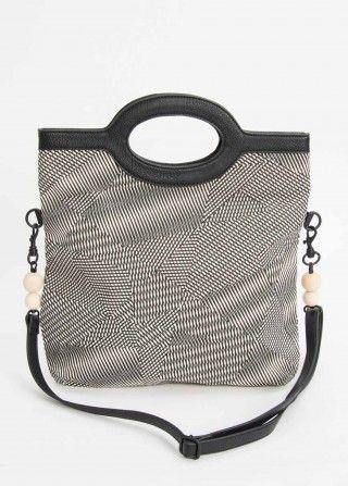 Nicht nur die praktische Größe macht die Tasche von skunkfunk zum absoluten Lieblingsstück. Sie besteht aus 100% Bio-Baumwolle und ist wunderbar weich.