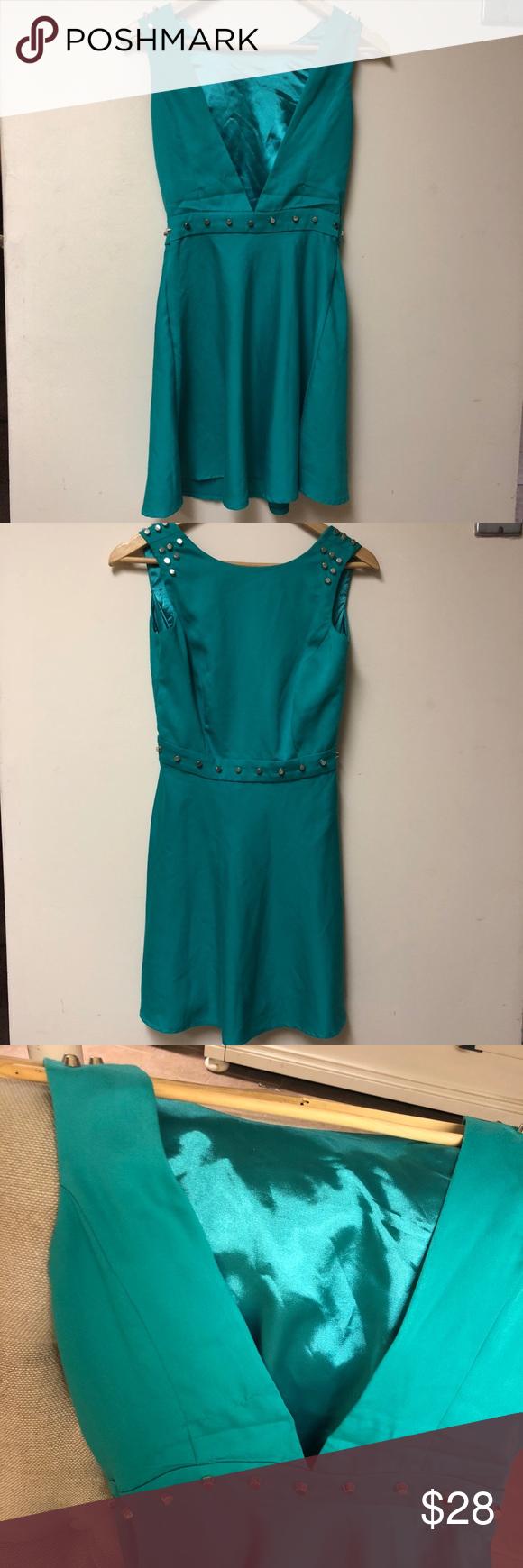 Studd deep v dress body shapes blue green and shapes