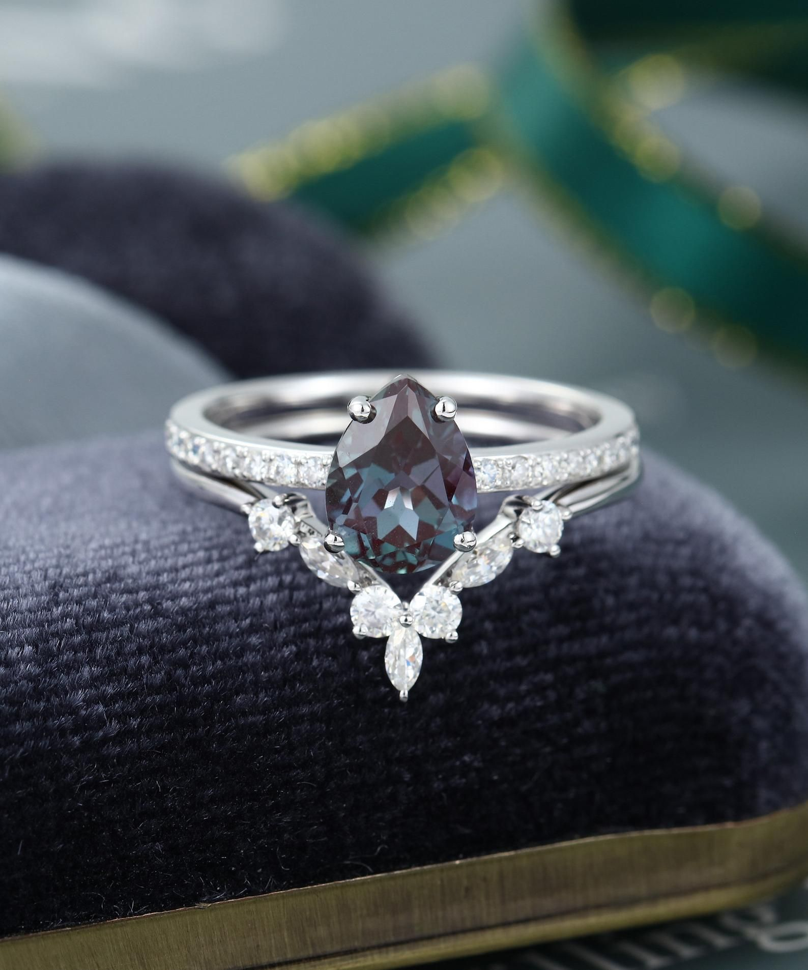 2pcs pear shaped alexandrite engagement ring set vintage