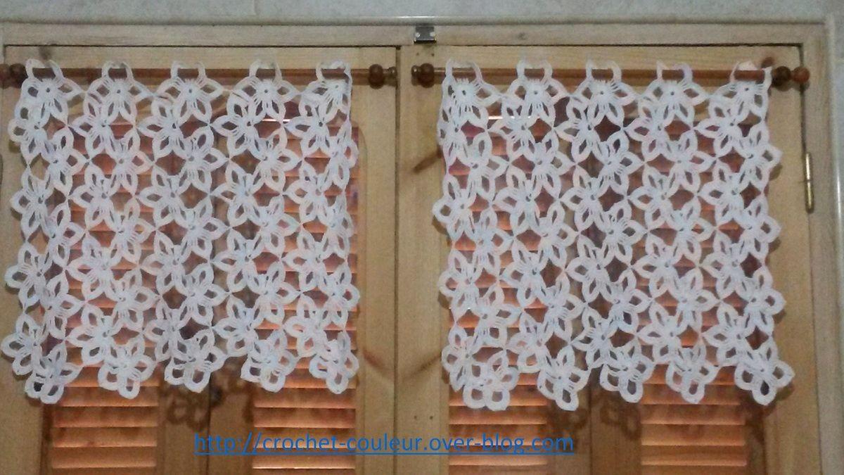crochet d 39 amour vous trouverez dans cet espace mes r alisations au crochet nappes rideaux. Black Bedroom Furniture Sets. Home Design Ideas