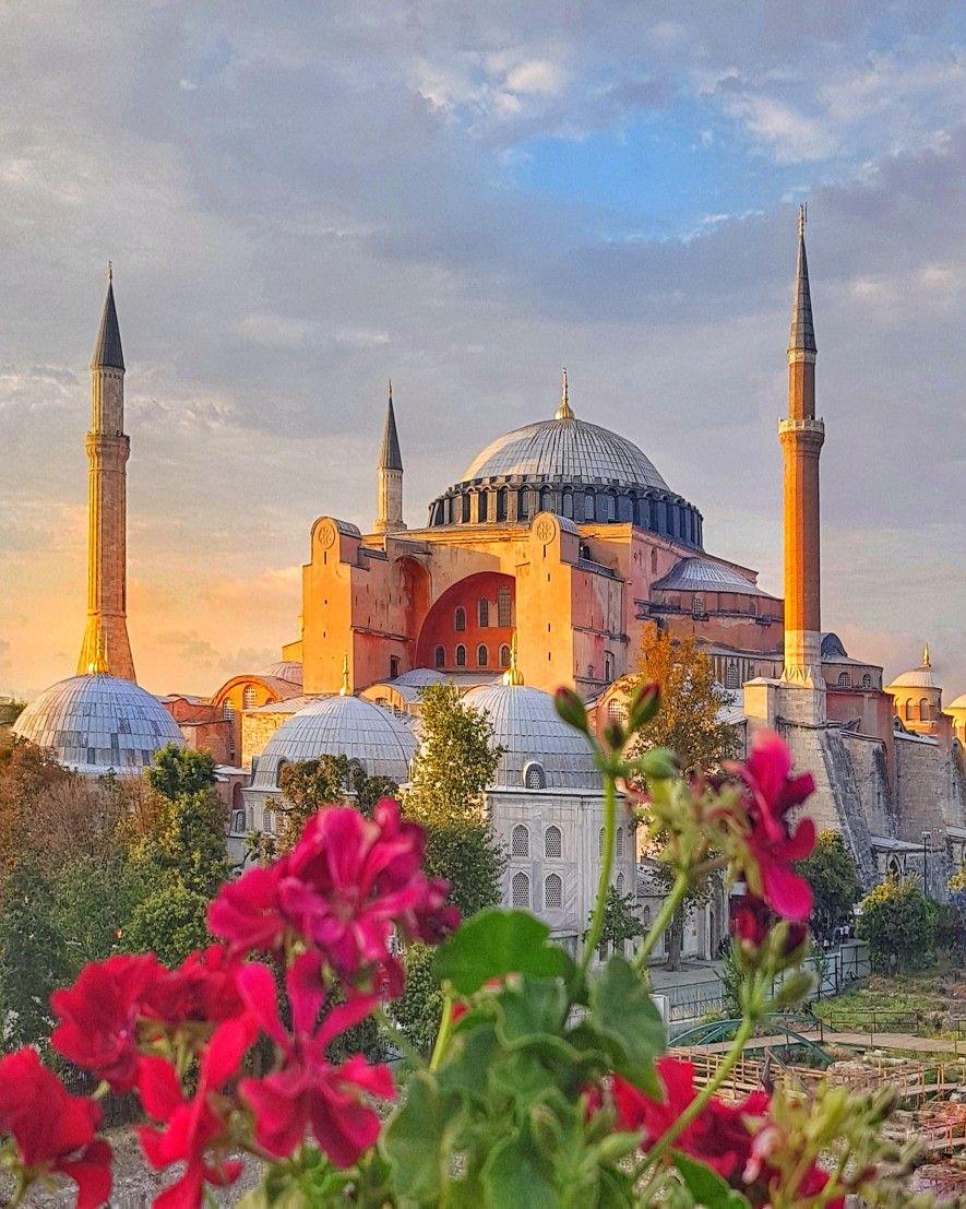 Istanbul Ayasofya Muzesi By Ilkin Babayigit Istanbul Hagia Sophia Camiler