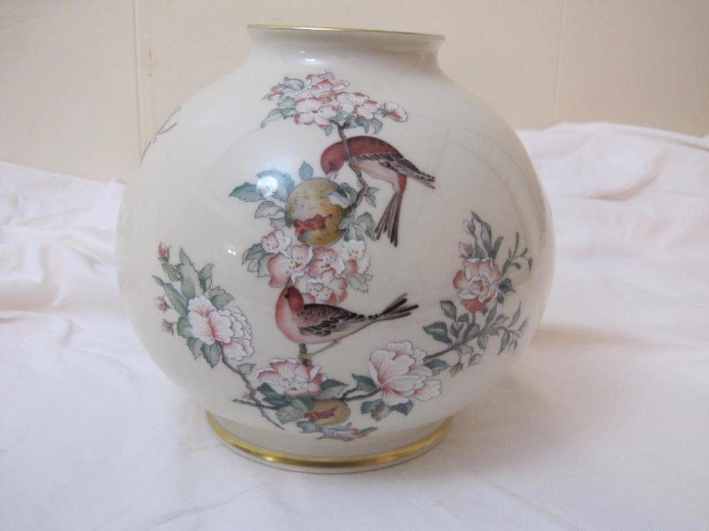 Lenox serenade globe vase floral pattern and bird with eggpink lenox serenade globe vase floral pattern and bird with eggpink flowers reviewsmspy