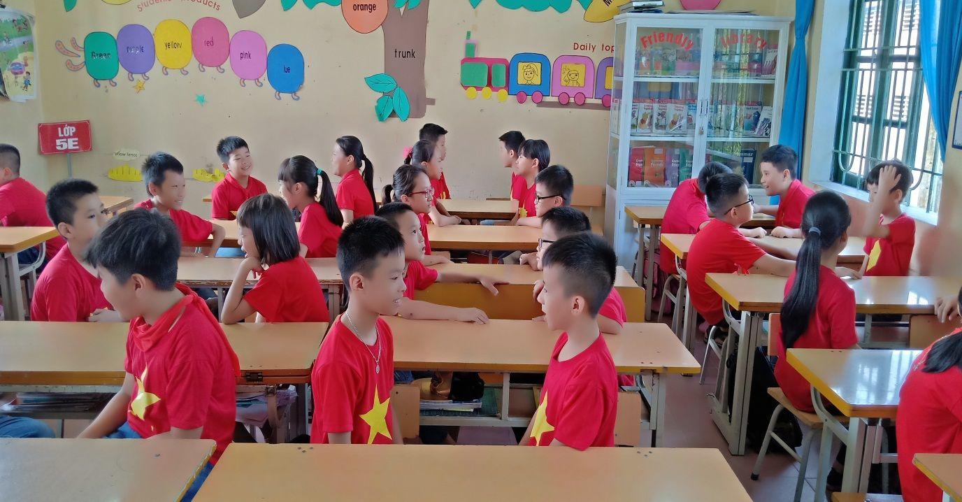 áo cờ đỏ sao vàng trường tiểu học lê Hồng Phong - Hình 2