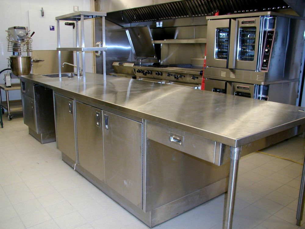 Commercial kitchen stainless steel tables stainless steel for Kitchen set up for restaurant