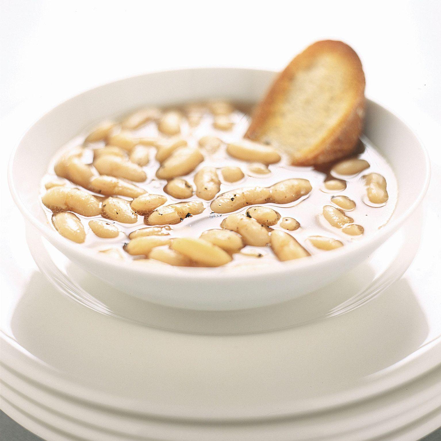 Slow-Cooker Tuscan White Bean Soup