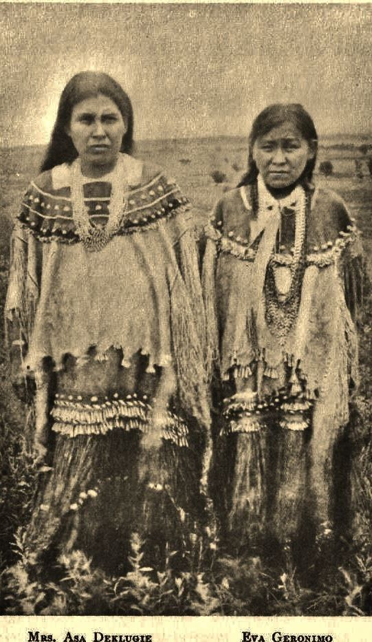 Native American Indian Pictures: Apache Native American Girls Clothing Photo Gallery #nativeamericanindians