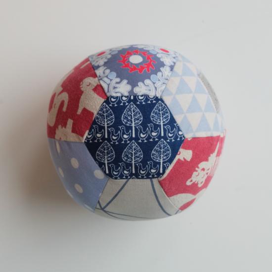Rasselball Geschenke Kleine Sewing Pattern Und Soccer