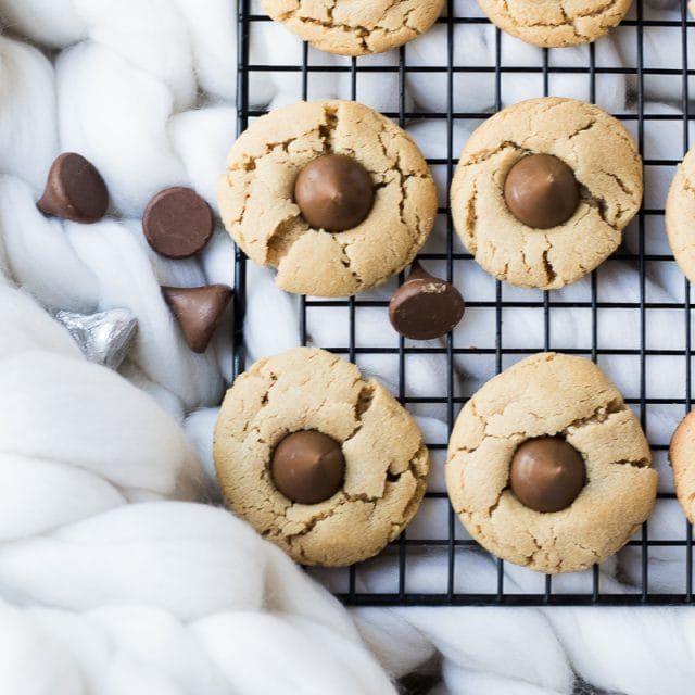 Peanut Butter Blossom Cookies | Oh So Delicioso