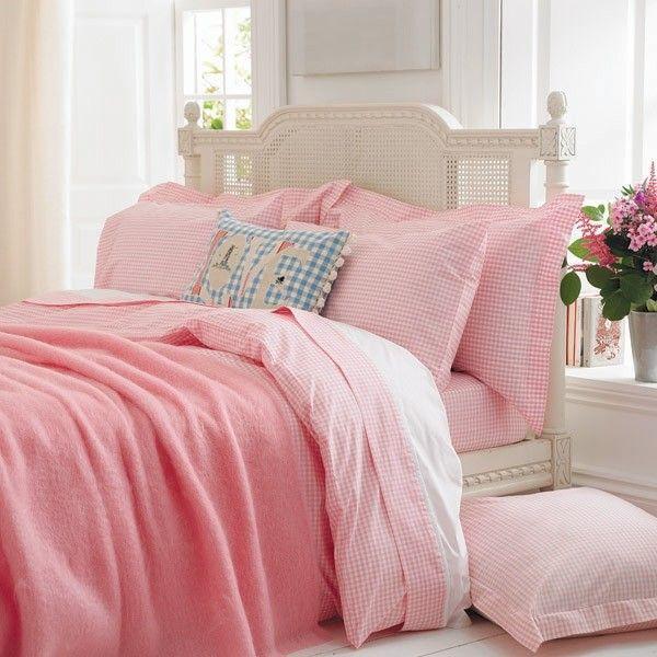 Pink Gingham Bed Linen.