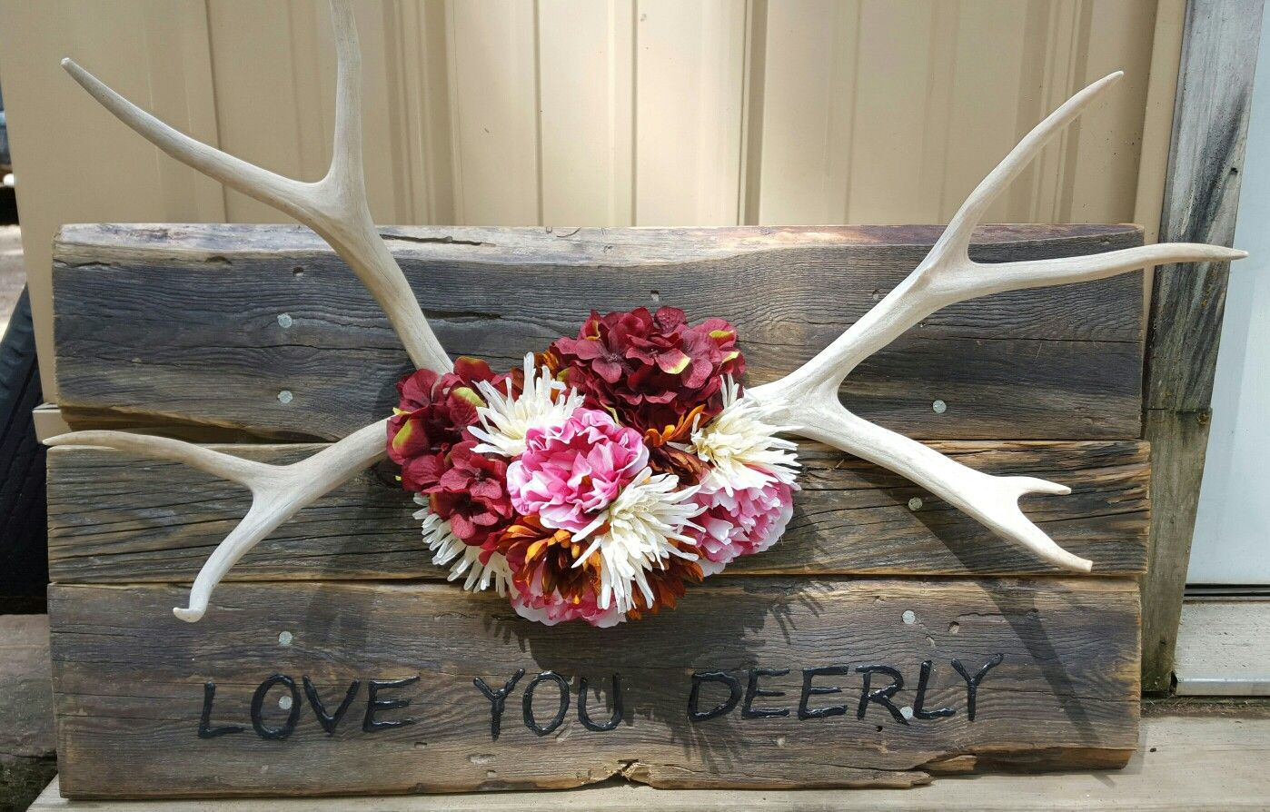 Love You Deerly pallet wood sign with antlers and flowers ...