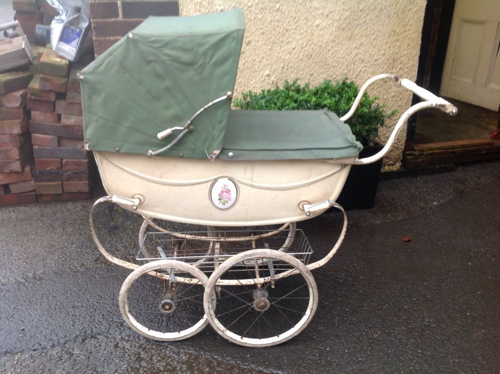 1960 s vintage silver cross coach built dolls pram green cream rose design creepy baby buggies. Black Bedroom Furniture Sets. Home Design Ideas