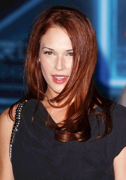 Amanda Righettis Flattering Red Hairstyle Brunette Hair Color