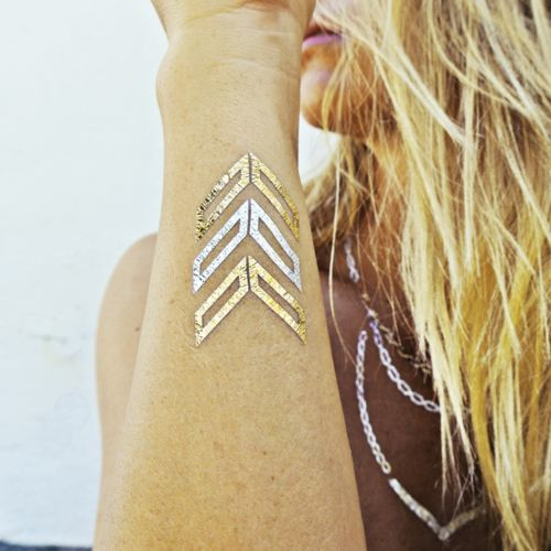 Les tatouages bijoux de Flash Tattoos | Glamour  Gold leaf temporary tattoos