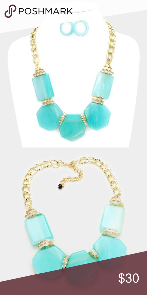 "Statement Necklace Set • Necklace Size : 19"" + 3"" L • Decor Size : 1.75"" L  • Earrings Size : 2"" L • Celluloid shell necklace Jewelry Necklaces"