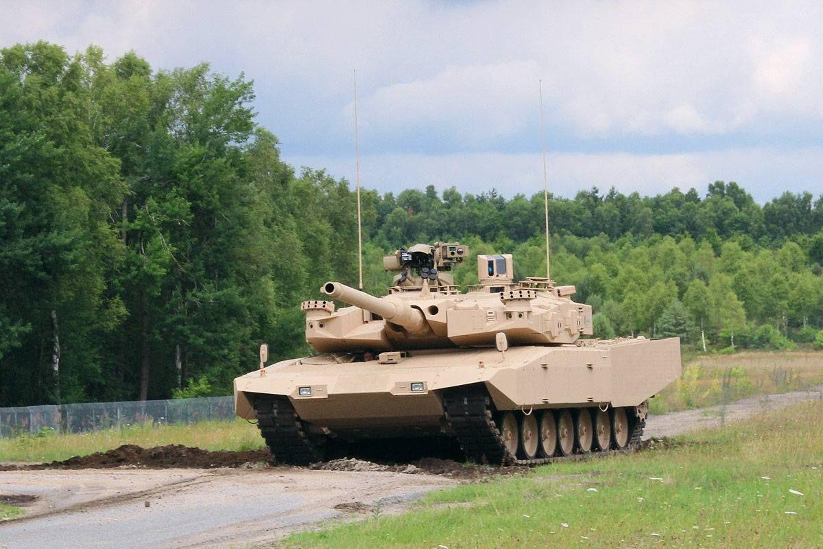 284b4ff055c5 Leopard 2 A4 MBT Revolution