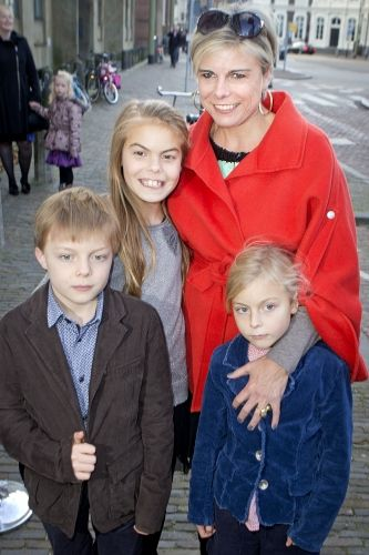 koningspaar: Princess Laurentien with her children Count Claus, Countess Eloise and Countess Leonore
