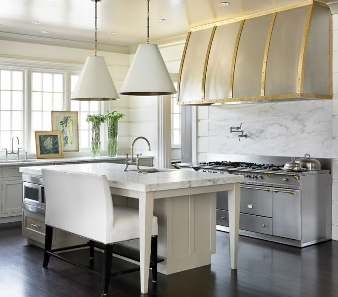 Welcoming White Kitchen Is Illuminated By Regina Andrew: Melanie Turner Interiors // Buckhead // Atlanta Estate