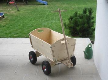 bollerwagen nachbau bollerwagen bauanleitung leiterwagen wood toys pinterest bollerwagen. Black Bedroom Furniture Sets. Home Design Ideas