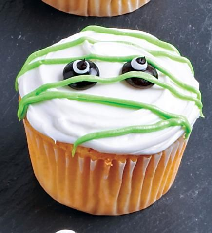 Decorate Fun Halloween Cupcakes Halloween design, Frostings and - halloween cupcake decor