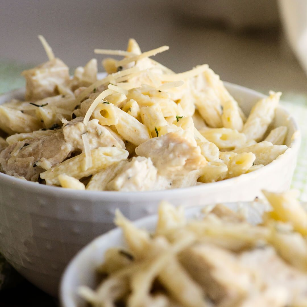 this chicken penne pasta is a copycat recipe from macaroni grill penne rustica, it is spicy, flavorful and my kids absolute favorite dinner - recipe video   Ashlee Marie   Chicken dinner   chicken penne pasta   Comfort food   Pasta dinner   penne rustica   #AshleeMarie #chickenpennepasta #comfortfood #pennerustica #comfortfoods