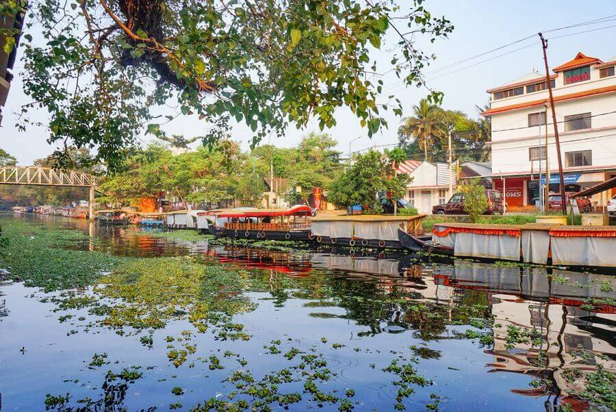 Alleppey backwaters for different budgets - practical guide