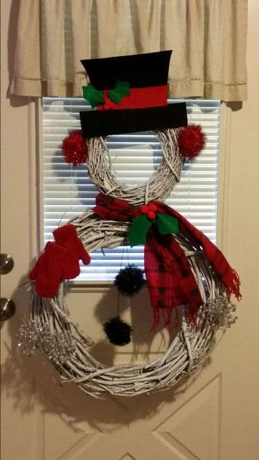 Grapevine Wreath Snowman With Images Christmas Wreaths Easy Christmas Wreaths Christmas Decorations