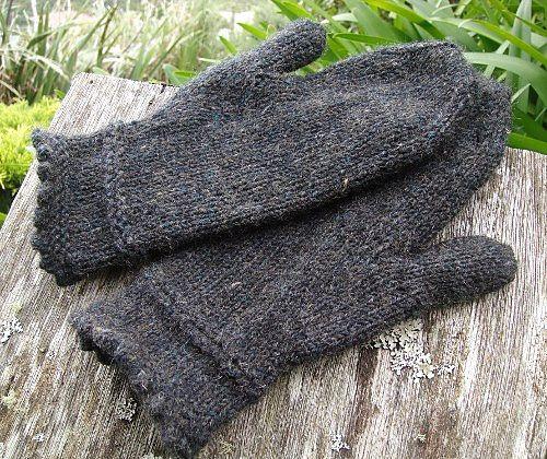Steampunk mittens pattern by Wei S. Leong