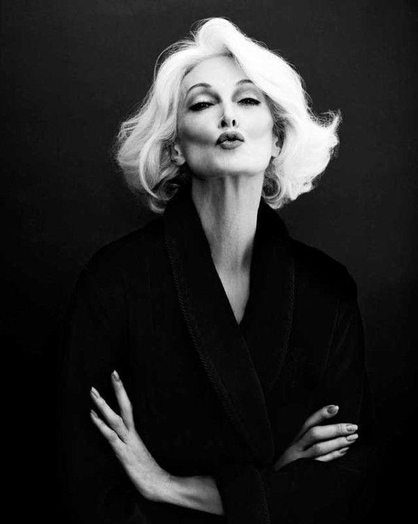 Para as mulher que acham que cabelos brancos e idade são um problema. A  modelo tem 85 anos. Carmen Dell'Orefice by Giuliano Bekor