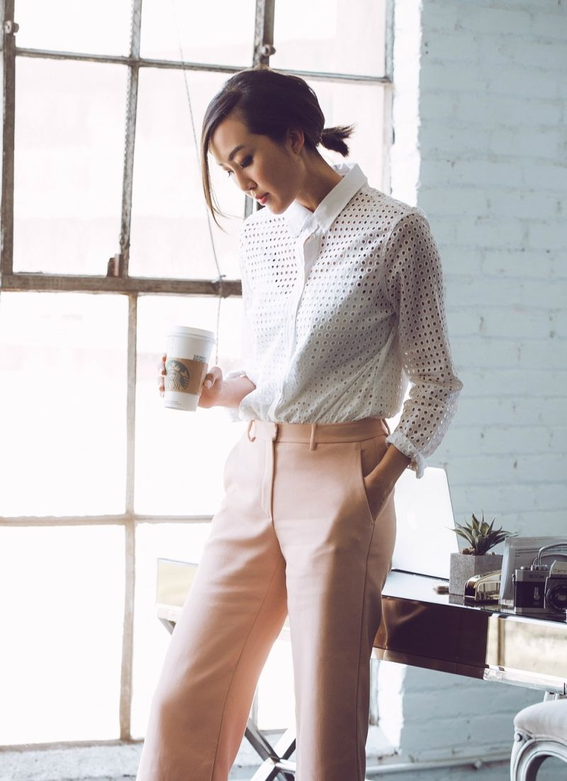 Why You Need To Stop Skipping Your Lunch Break The Everygirl Summer Work Outfits Work Outfits Women Summer Business Outfits [ 1101 x 800 Pixel ]