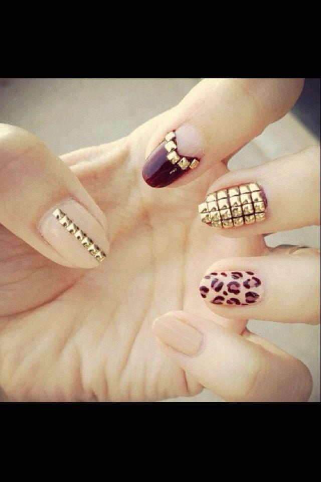 3D nails. Embellished Gold Nail Art Designs. O Spa En Vogue Gel ...