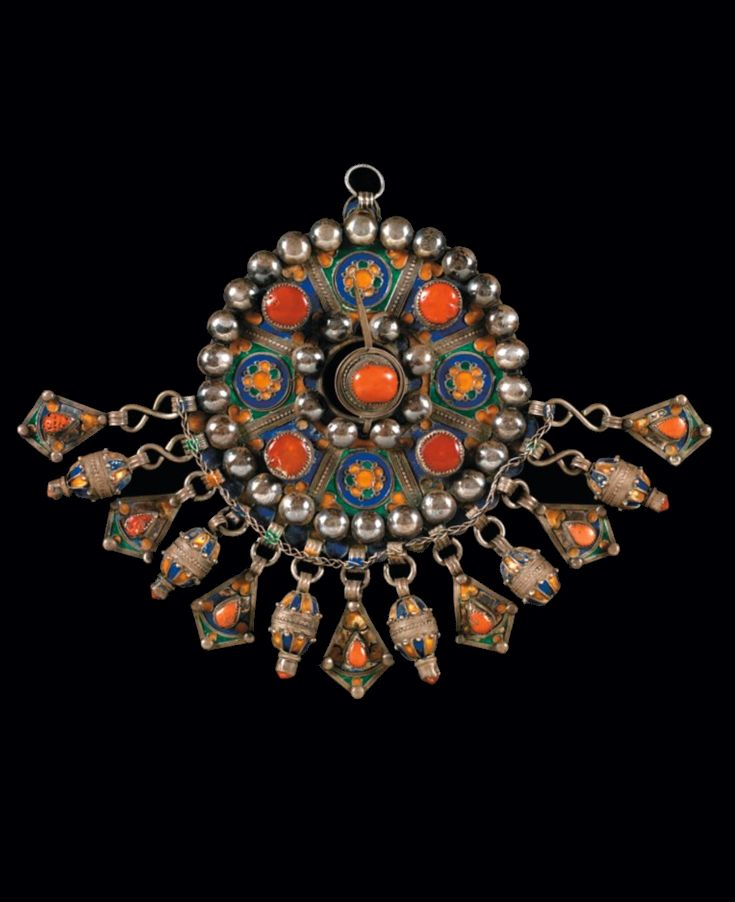 Algeria | Fibula ~ Tabzimt ~ from the Beni Yenni | Silver, cloisonné enamel and coral. Ø 16.5 without pendants. 866 grams | 4'000€ sold (June '10)