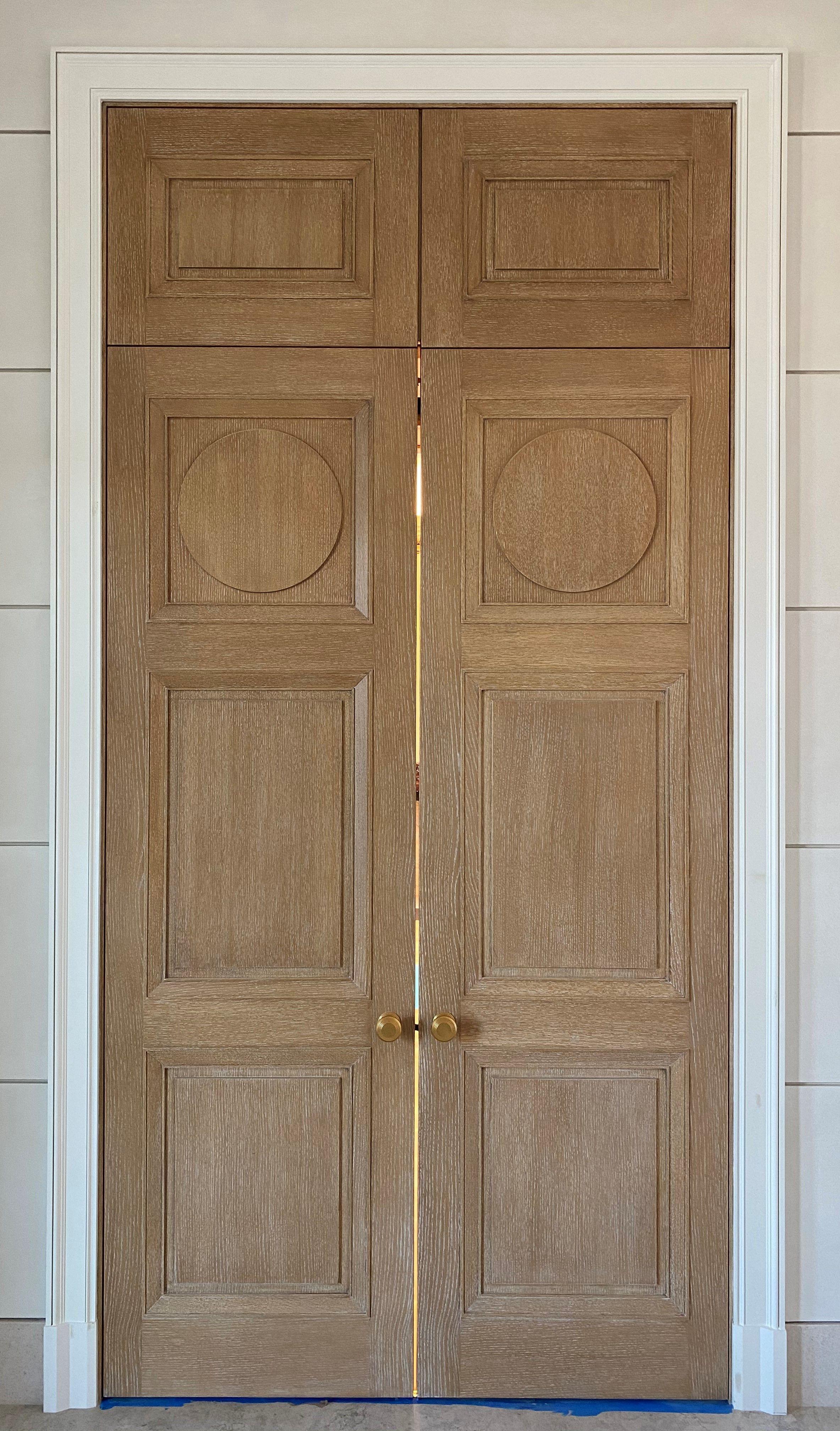 Custom White Oak Panel Door With Transom And Brass Hardware Bmc Design Ultra Team In 2020 Oak Interior Doors Oak Doors Doors