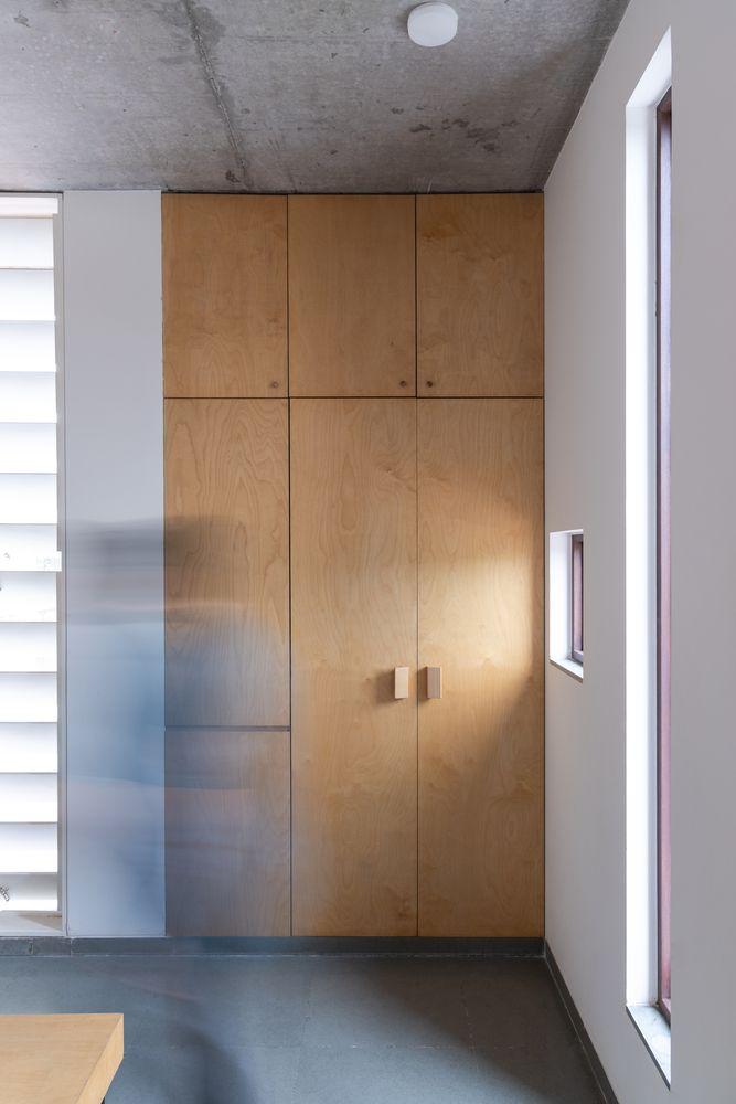 Gallery of KĀ House / Vastu Shilpa Consultants - 7 | Tall ...